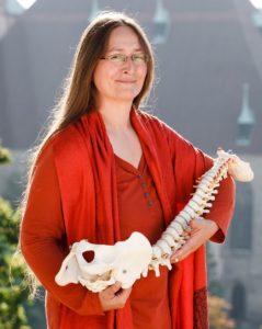 hilfreiche Yogaübungen für deinen Rücken mit Nadine Claudia in Erfurt
